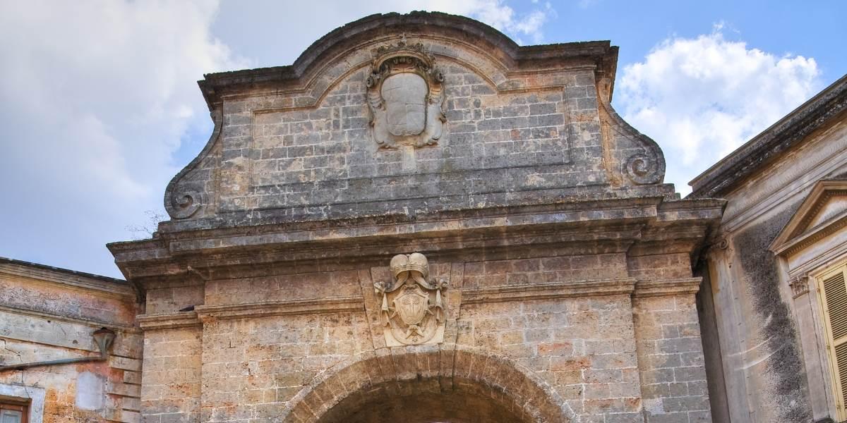 Porta Grande A Mesagne Scopri La Storia Del Monumento Italyra